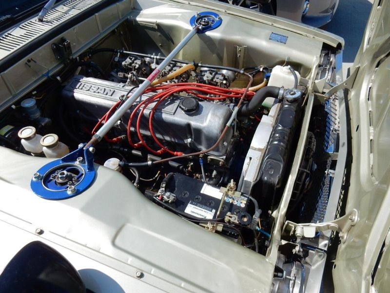 Hakosuka 1971 Nissan Skyline KGC10 coupe engine 5