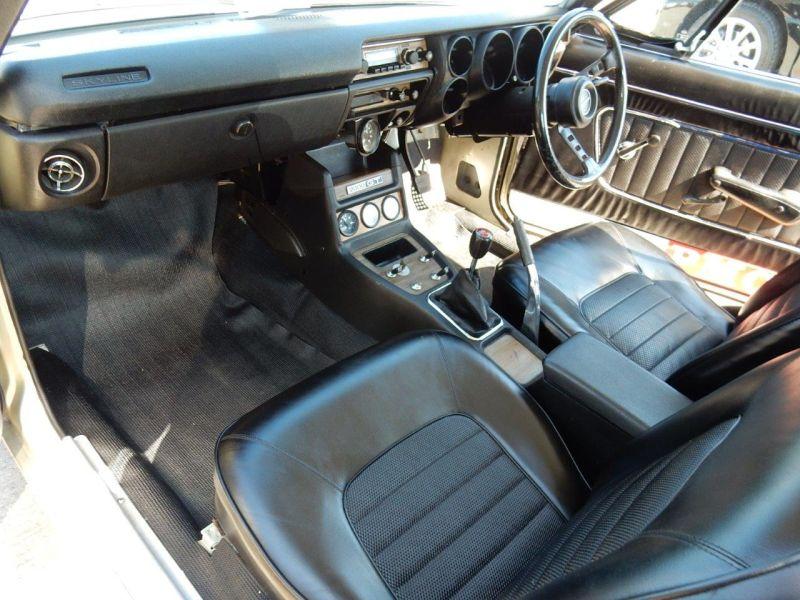 Hakosuka 1971 Nissan Skyline KGC10 coupe interior 2