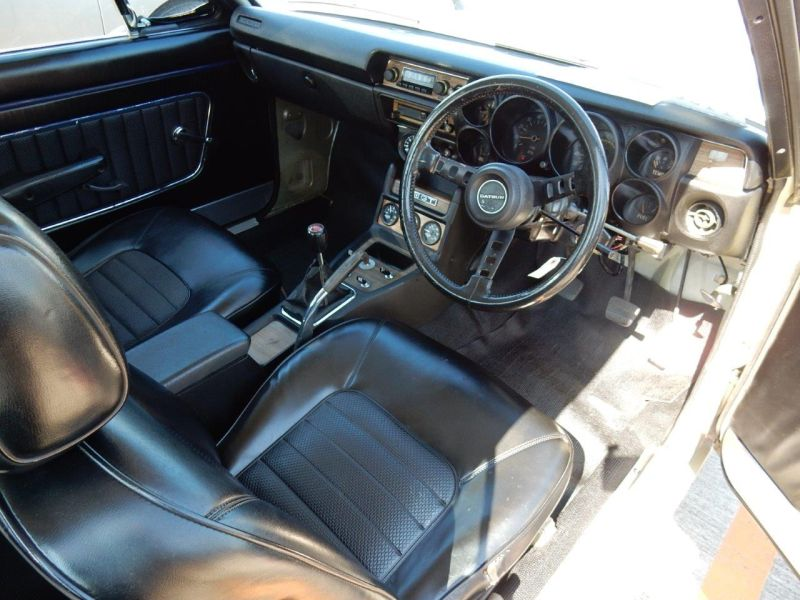 Hakosuka 1971 Nissan Skyline KGC10 coupe interior driver seat