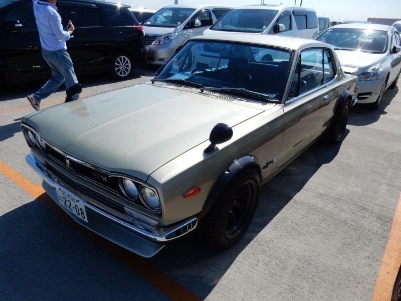 Hakosuka 1971 Nissan Skyline KGC10 coupe left front