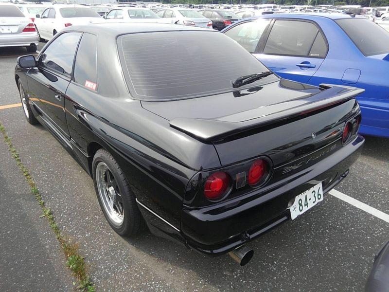 1990 Nissan Skyline R32 GTS-t left rear