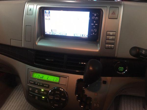 2008 Toyota Estima Aeras console screen