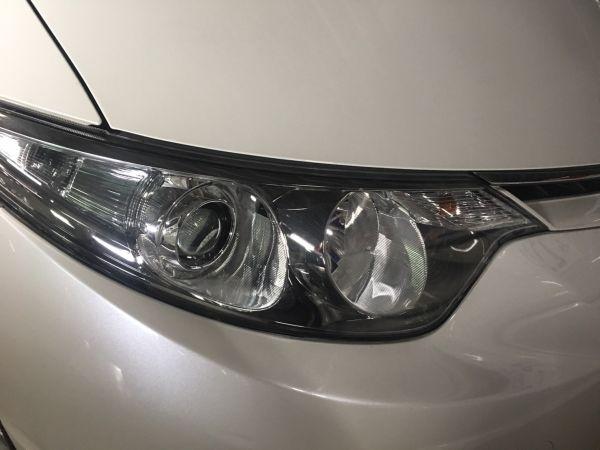 2008 Toyota Estima Aeras headlight