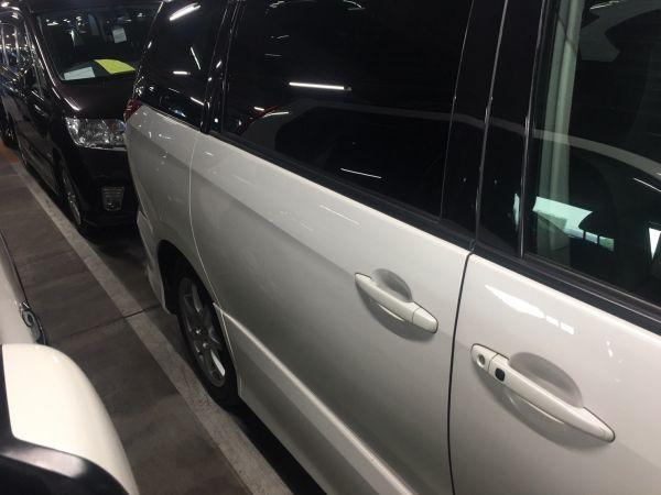 2008 Toyota Estima Aeras left doors