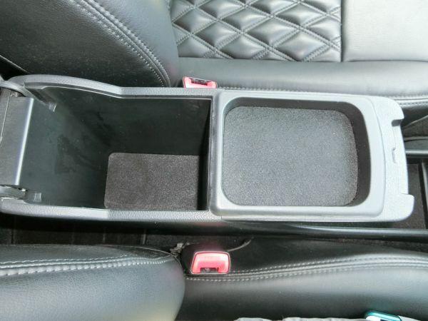 2011 Toyota Mark X Zio 350G Wagon console 2