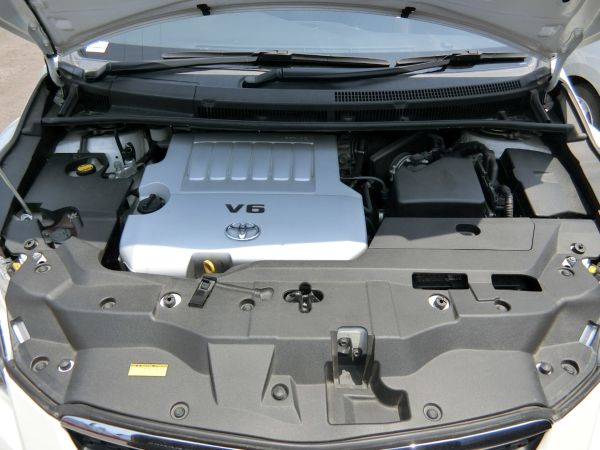 2011 Toyota Mark X Zio 350G Wagon engine
