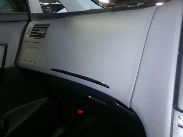2011 Toyota Mark X Zio 350G Wagon passenger dash