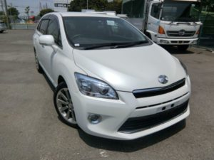 2011 Toyota Mark X Zio 350G Wagon right front angle
