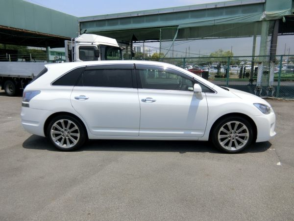 2011 Toyota Mark X Zio 350G Wagon side