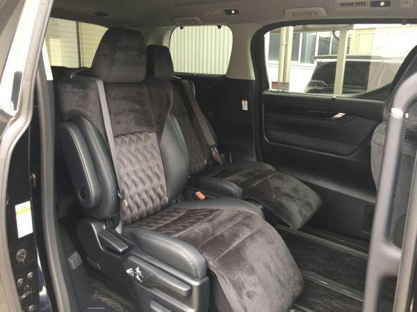 2015 Toyota Vellfire Hybrid ZR 30 Series seats 1