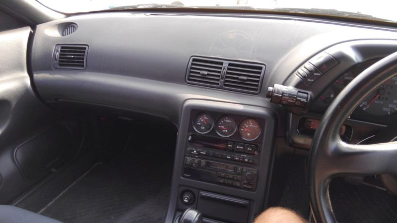 R32 GTR VSpec dash vent