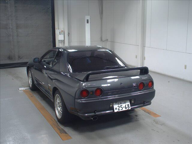 R32 GTR VSpec left rear