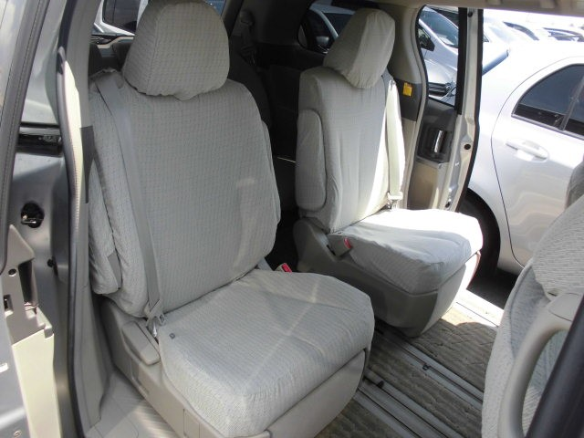 2007 Toyota Estima 2WD 7 seater G Package interior 2