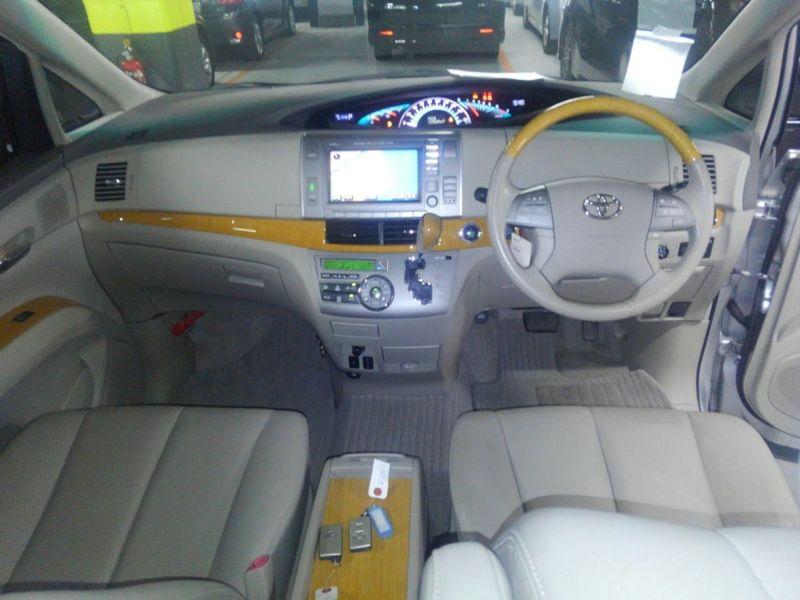 2008 Toyota Estima 4WD 7 seater interior 2