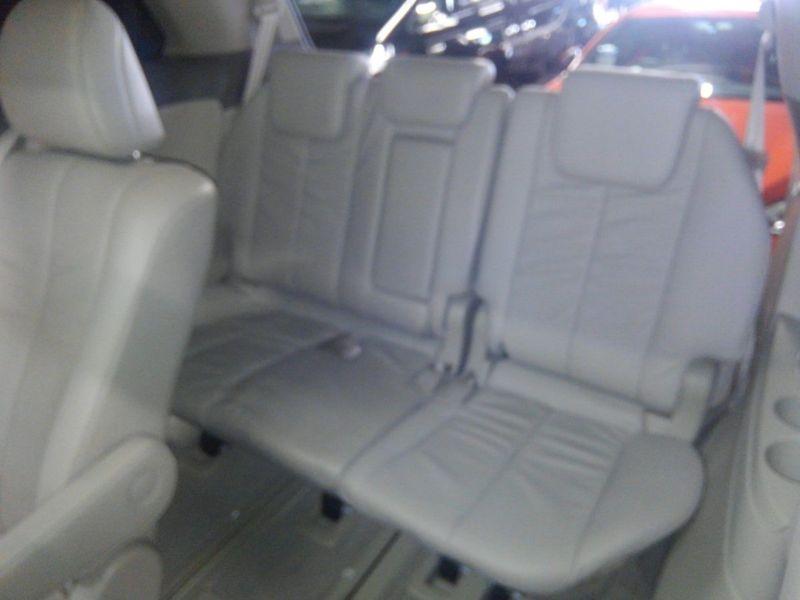 2008 Toyota Estima 4WD 7 seater interior 5