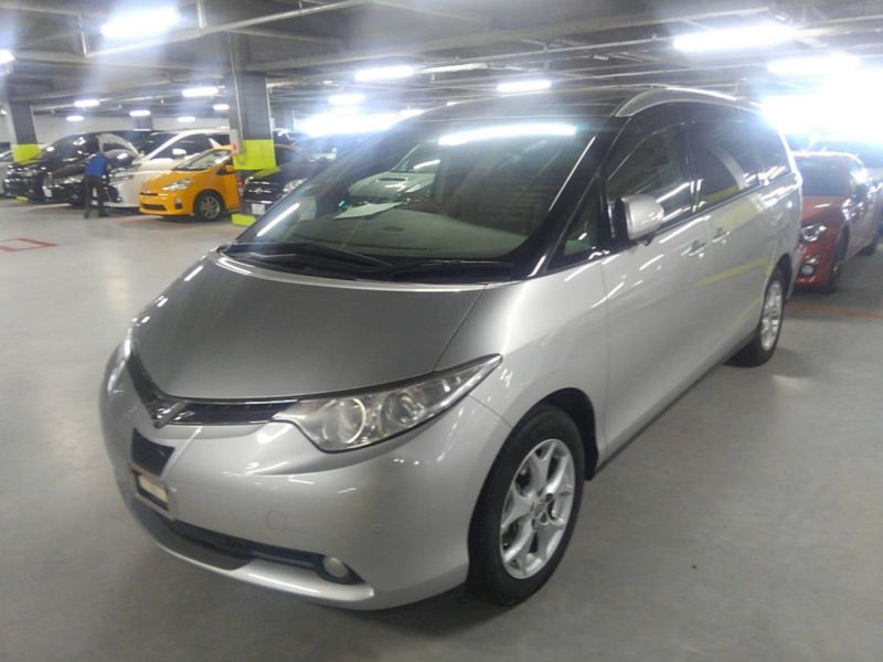 2008 Toyota Estima 4WD 7 seater left front