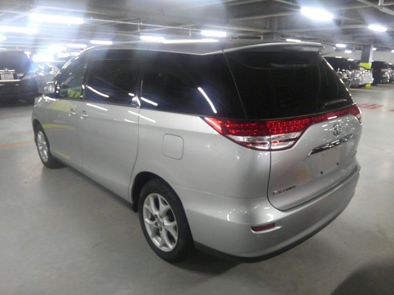 2008 Toyota Estima 4WD 7 seater left rear