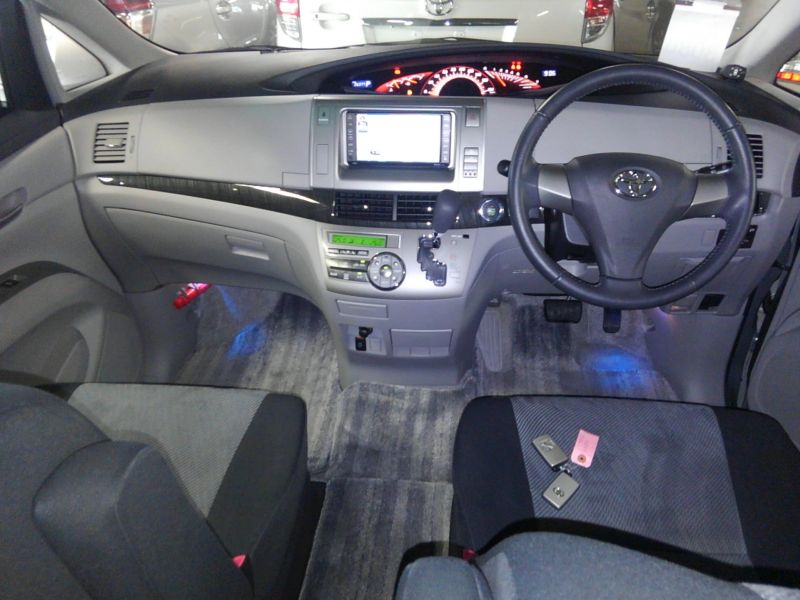 2008 Toyota Estima Areas S 2WD 8 seater interior 3