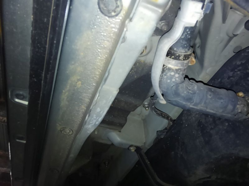 2008 Toyota Estima Areas S 2WD 8 seater underbody 1