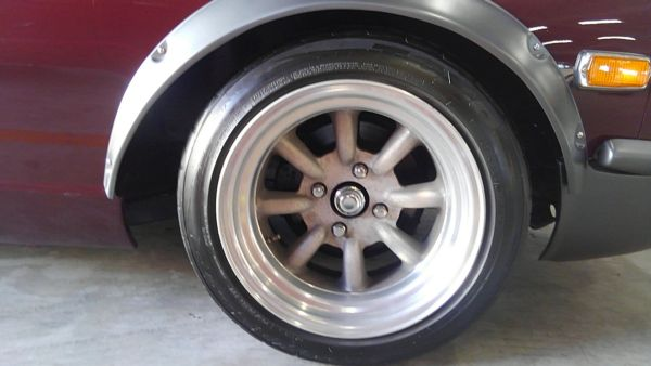 1977 Nissan FairladyZ 2 seater wheel
