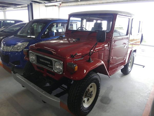 1984 Toyota Land Cruiser BJ46 Long left front