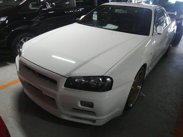 2001 Nissan Skyline R34 GTR left front