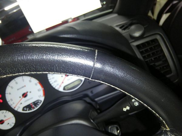 2001 Nissan Skyline R34 GTR steering wheel minor wear
