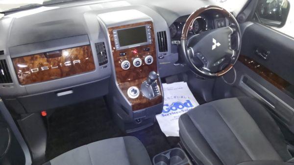2011 Mitsubishi Delica D5 petrol CV5W 4WD Chamonix interior