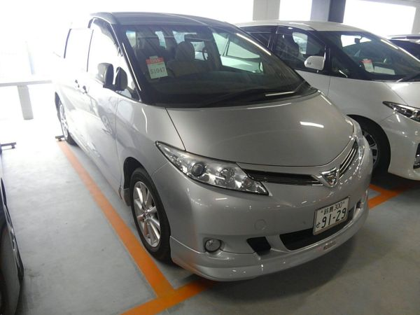 2012 Toyota Estima G 4WD 7 seater right front