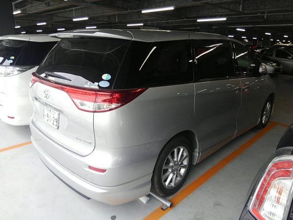 2012 Toyota Estima G 4WD 7 seater right rear