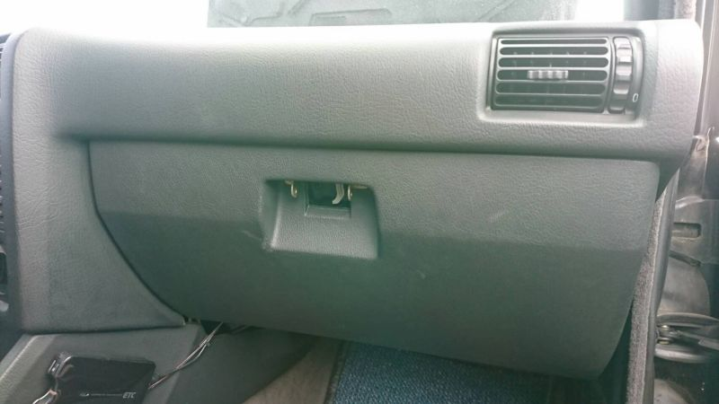 1988 BMW E30 M3 glove box