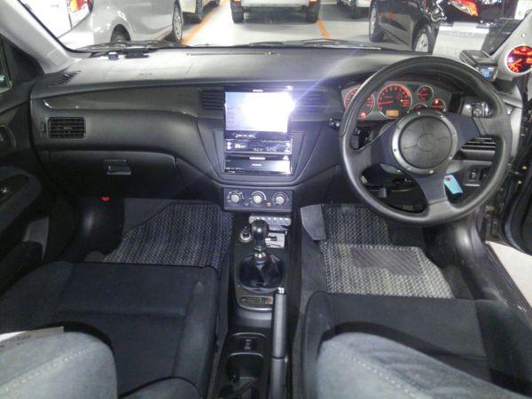 2004 Mitsubishi Lancer EVO 8 MR interior 3