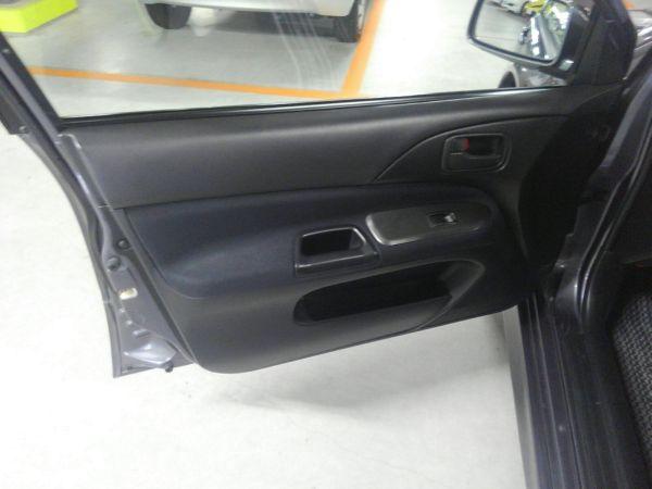 2004 Mitsubishi Lancer EVO 8 MR left door