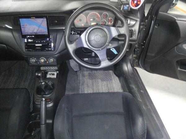 2004 Mitsubishi Lancer EVO 8 MR steering wheel