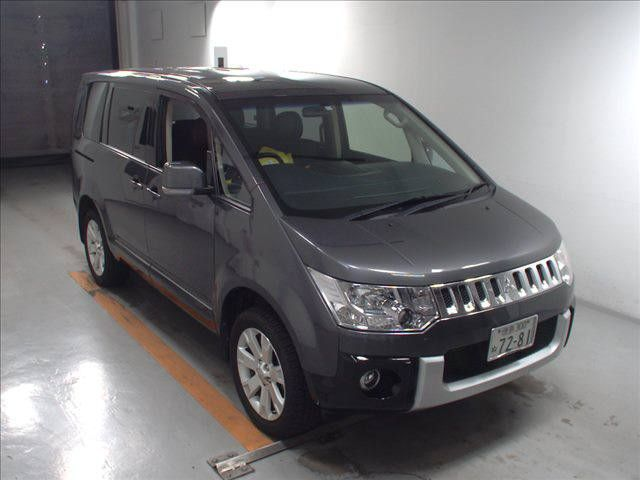 2014 Mitsubishi Delica D5 petrol CV5W 4WD G Power package auction 1