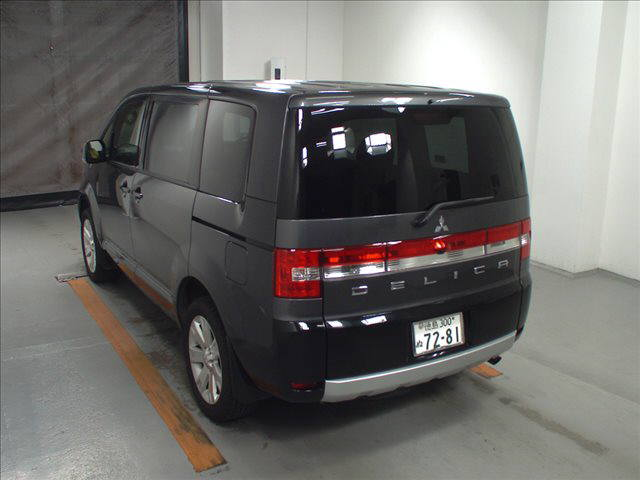 2014 Mitsubishi Delica D5 petrol CV5W 4WD G Power package auction rear 1