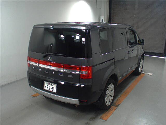 2014 Mitsubishi Delica D5 petrol CV5W 4WD G Power package auction rear 2