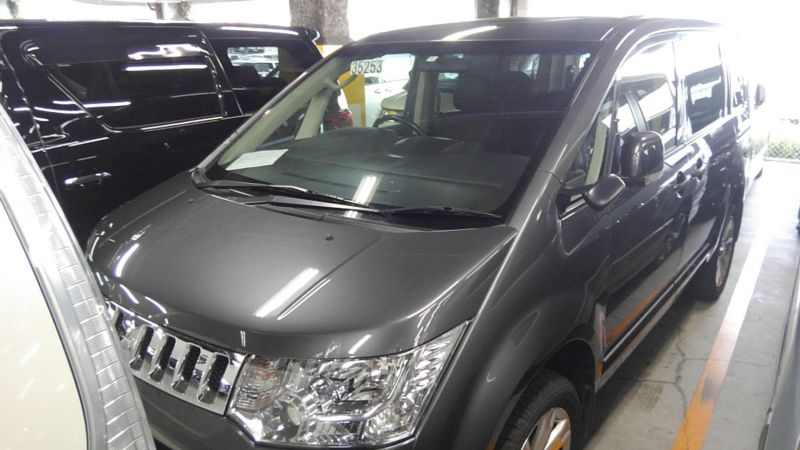 2014 Mitsubishi Delica D5 petrol CV5W 4WD G Power package left front