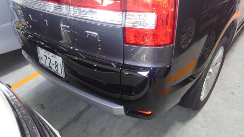 2014 Mitsubishi Delica D5 petrol CV5W 4WD G Power package right rear close up