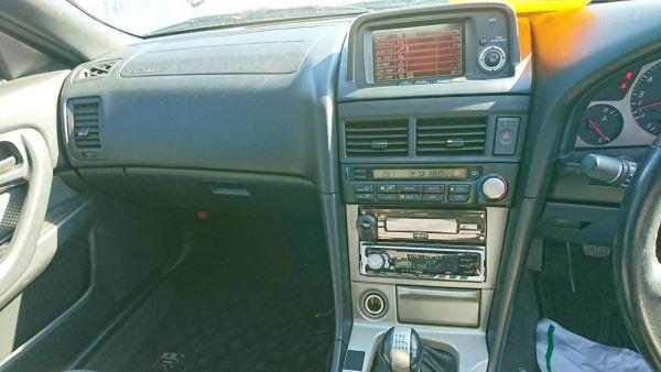 2000 Nissan Skyline R34 GTR VSpec console