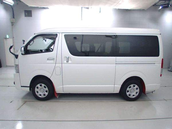 2014 Toyota Hiace GL 4WD TRH219 left side