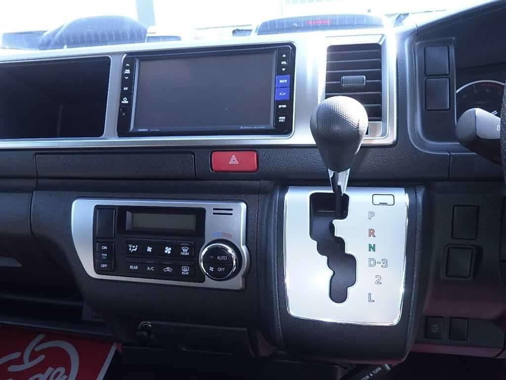 2014 Toyota Hiace GL 4WD TRH219 shift