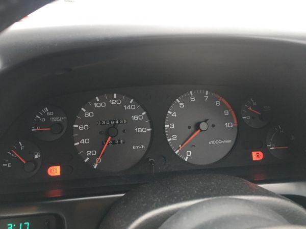 1990 Nissan Skyline R32 GT-R instrument panel