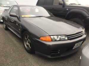 1990 Nissan Skyline R32 GT-R right front 2