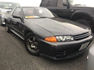 1990 Nissan Skyline R32 GT-R right front