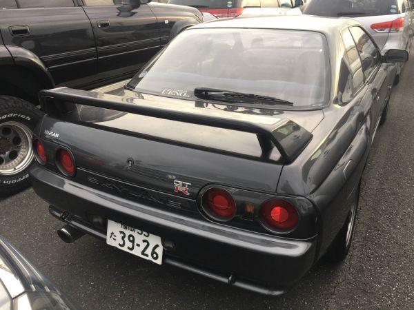 1990 Nissan Skyline R32 GT-R right rear