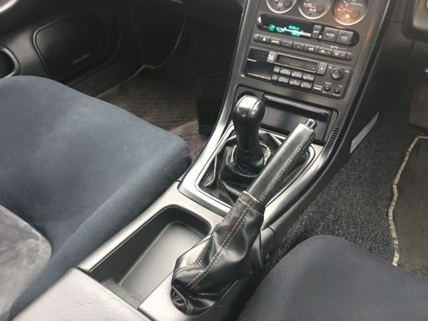 1990 Nissan Skyline R32 GT-R shifter