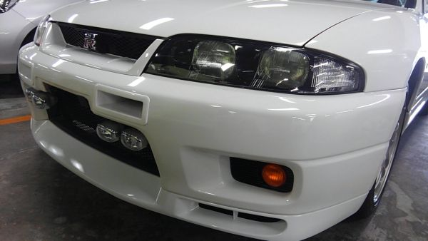 1995 Nissan Skyline R33 GTR VSpec left front headlight