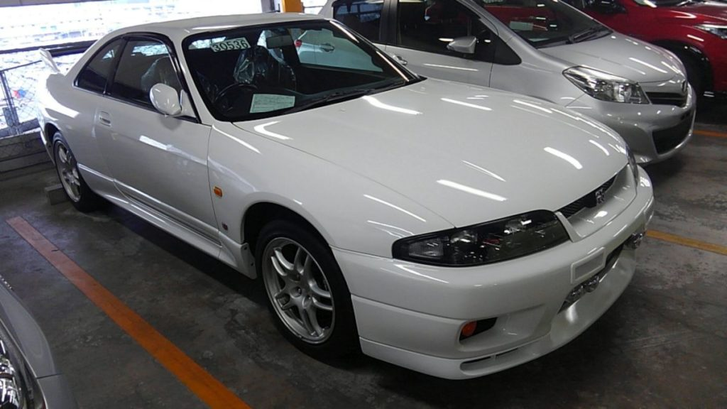 1995 Nissan Skyline R33 GTR VSpec right front