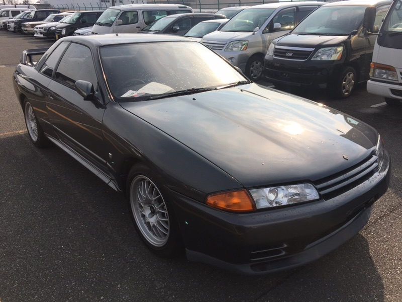 1993 Nissan Skyline R32 GT-R VSpec right front